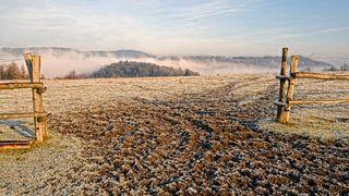 Rekordně chladné ráno hlásí zhruba 40 míst v Česku