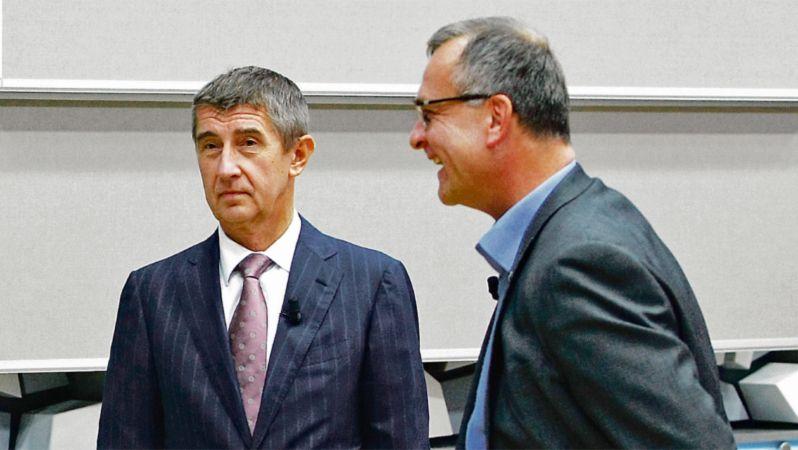"""Babiš se má za """"zabil lidi cez padáky"""" Kalouskovi omluvit, rozhodl soud"""