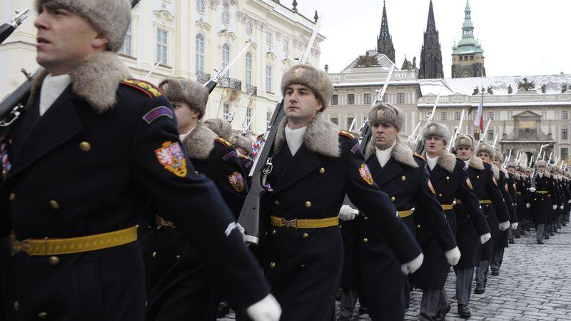 Slavnostní střídání Hradní stráže