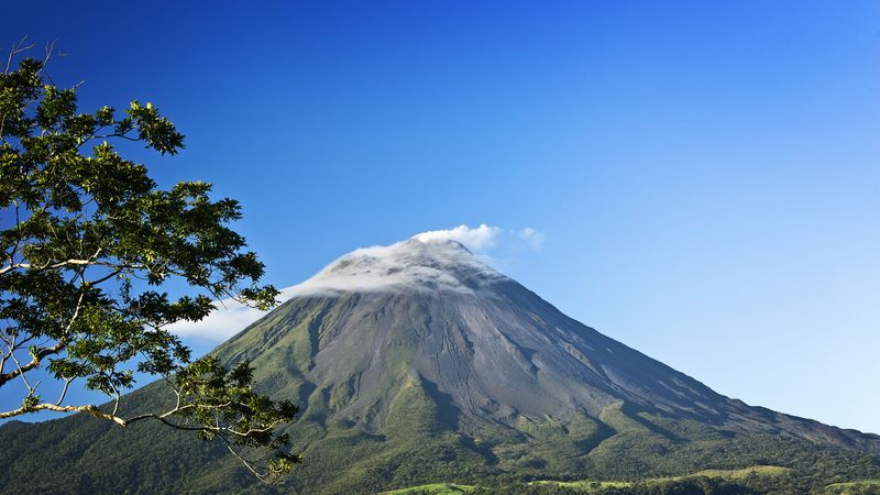 Arenal Volcán