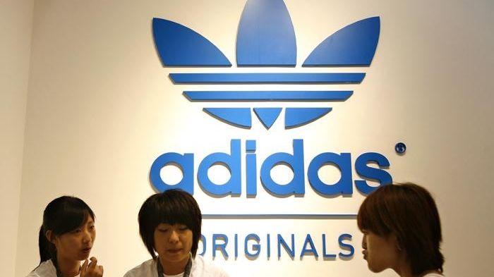 Adidasu se loni výrazně propadly tržby i zisk
