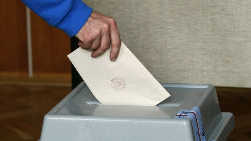 Krajské a senátní volby by měly mít podle novely pevný termín