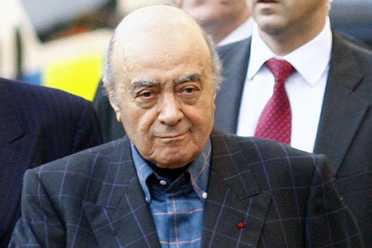 Mohamed al-Fayed přichází k soudu.