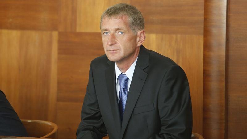 Janoušek vytáhl z firmy přes 60 milionů