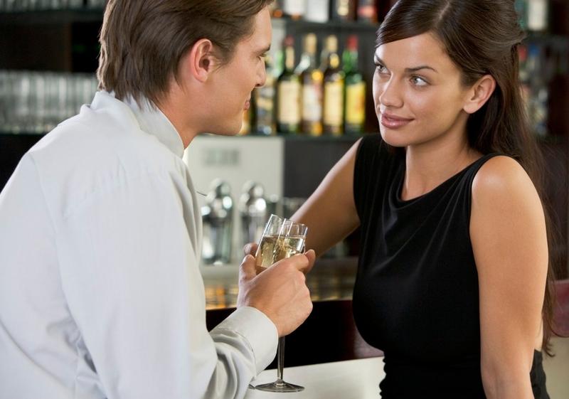 randění s dívkou, která vydělává více peněz než ty divoké seznamky