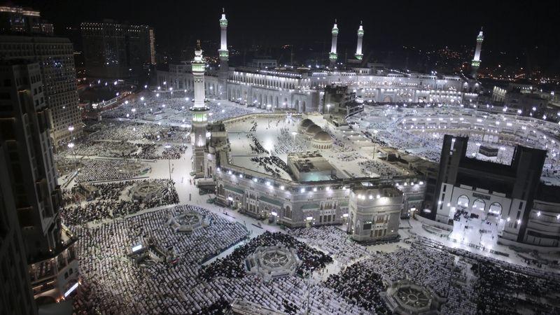 V Mekce začíná muslimská pouť, přijelo přes 1,8 milionu lidí
