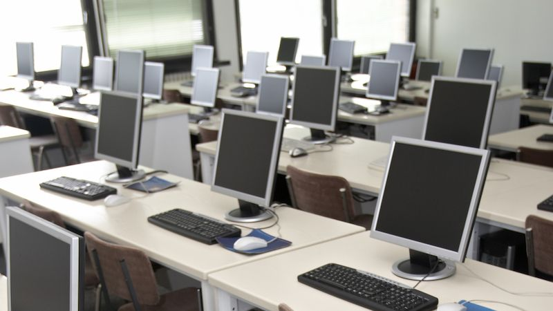 Gymnázia mohou od příštího roku modernizovat výuku informatiky. Učitelé ale chybějí