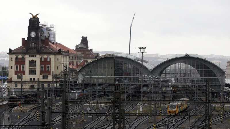 Finální trasa tramvaje kolem pražského hlavního nádraží: za operou a skrze Vrchlického sady