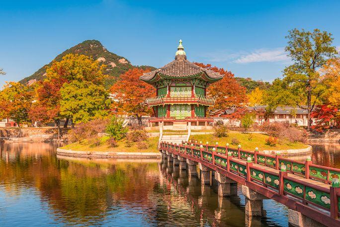 Palác Gyeongbokgung v Soulu je nádhernou oázou přímo v metropoli.