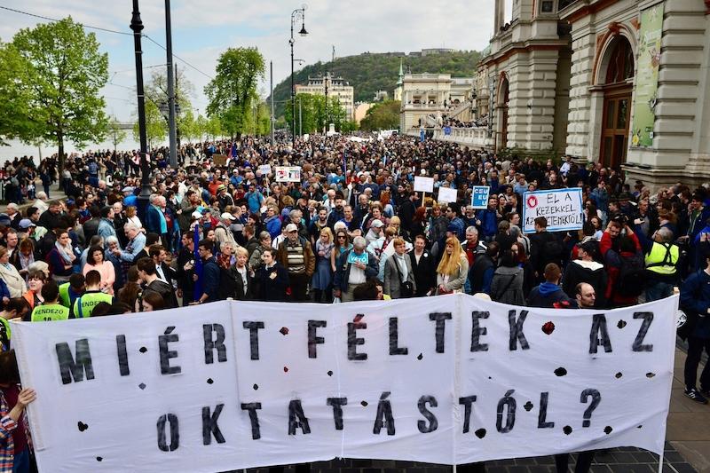 Hlavní město Rumunska hostilo pochod Gay Pr Pochod měl být jakousi.