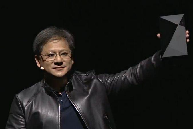 Šéf společnosti Nvidia Jen-Hsun Huang s konzolí Shield