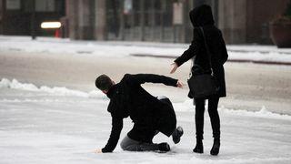 Meteorologové varovali před ledovkou