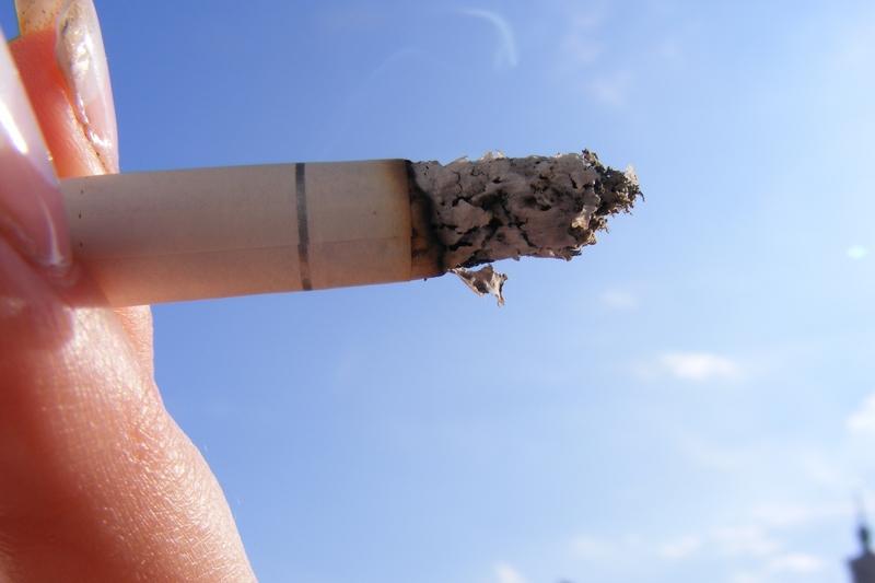 kouření nahá