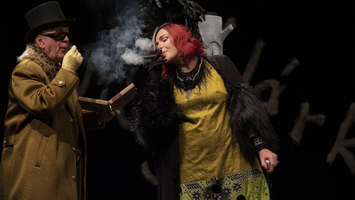 Divadla zahajují muzikálem, Dürrenmattem i Hegerovou