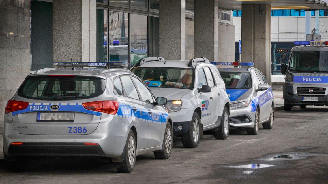 Polák se vydával za policistu a kontroloval auta, skutečného strážce zákona zastřelil