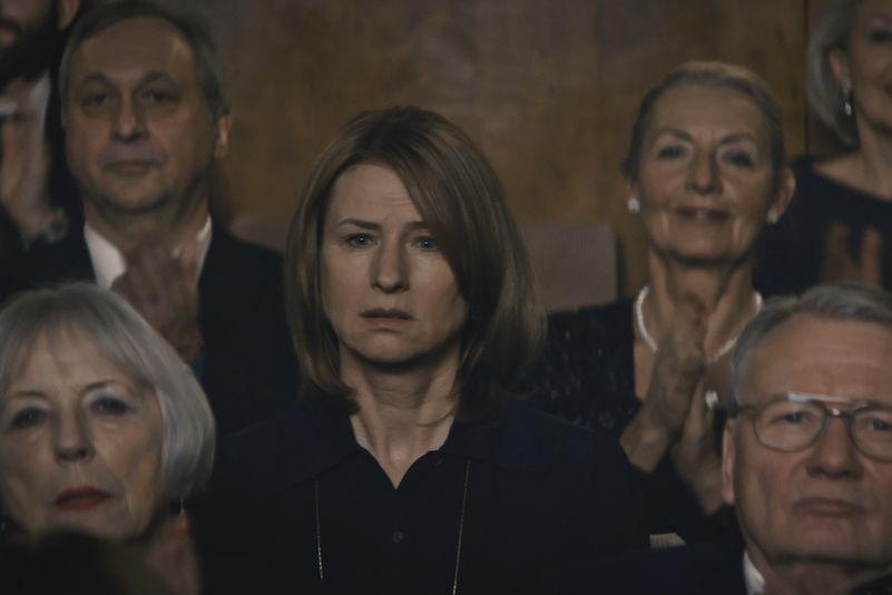 Corinna Harfouch jako Lara