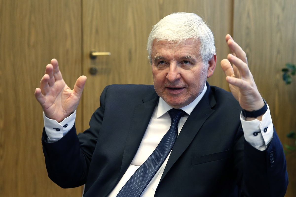 Guvernér ČNB Jiří Rusnok poskytl rozhovor deníku Právo.