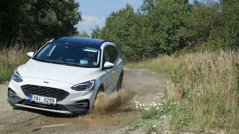 Test Fordu Focus Active 2,0 EcoBlue: Není jen dalším crossoverem