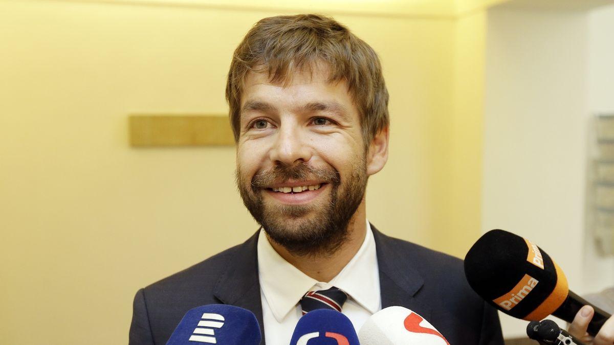 Exministr Pelikán se vrací. Bude v legislativní radě vlády, potvrdila Benešová