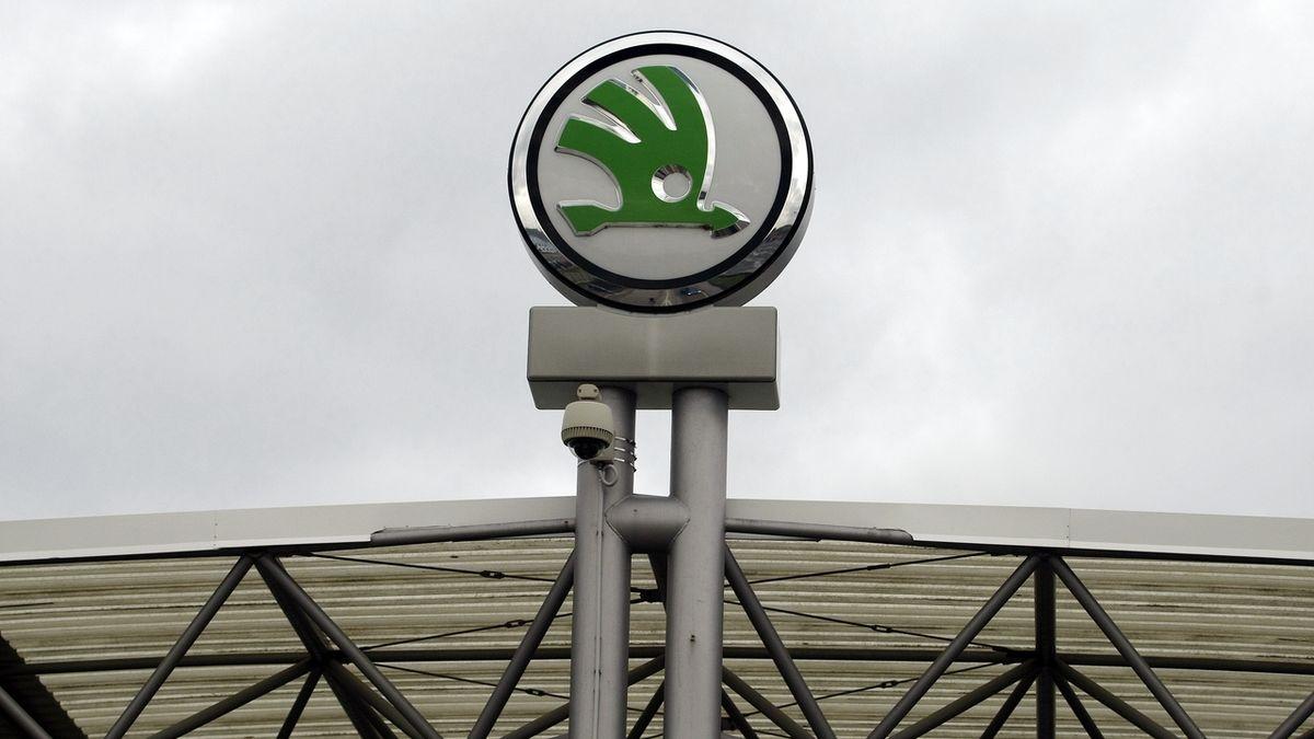Škoda Auto kvůli nedostatku čipů nedokončí až 5000 aut týdně