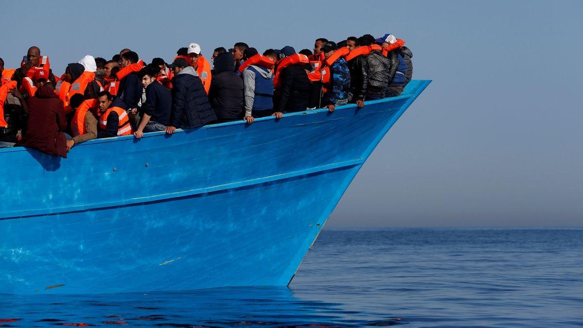 Migranti zachránění ve Středozemním moři, ilustrační foto