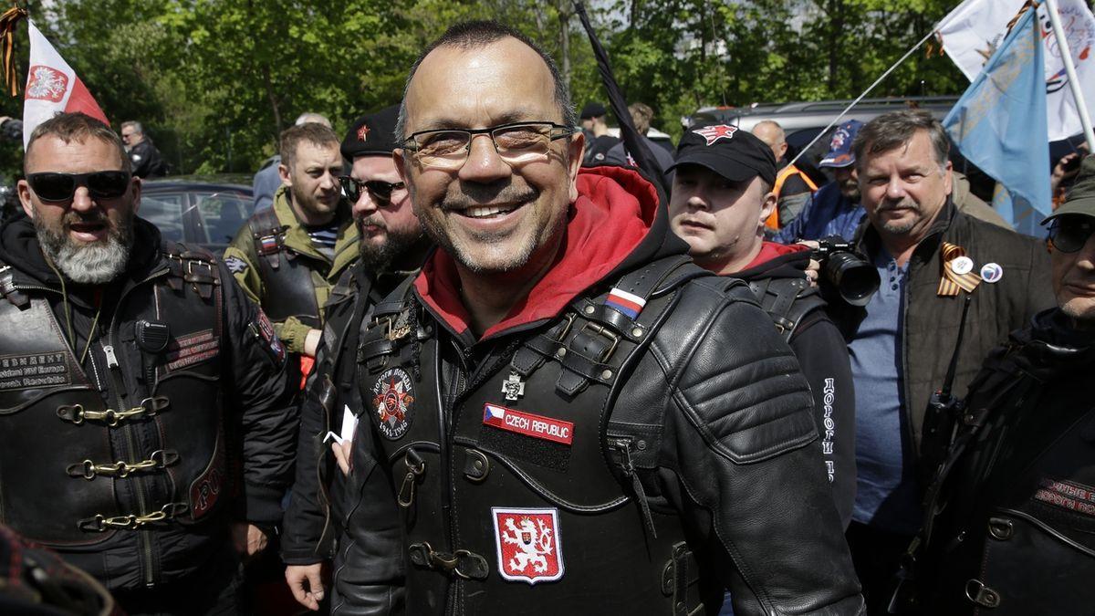 Foldyna hrozí odchodem z ČSSD. Strana není kriminál, vzkázal mu Hamáček