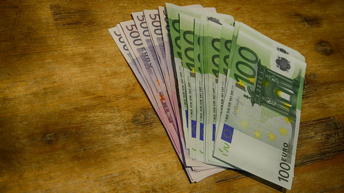 Evropská komise chce od Česka dvě miliardy za špatně vyměřené clo z Číny