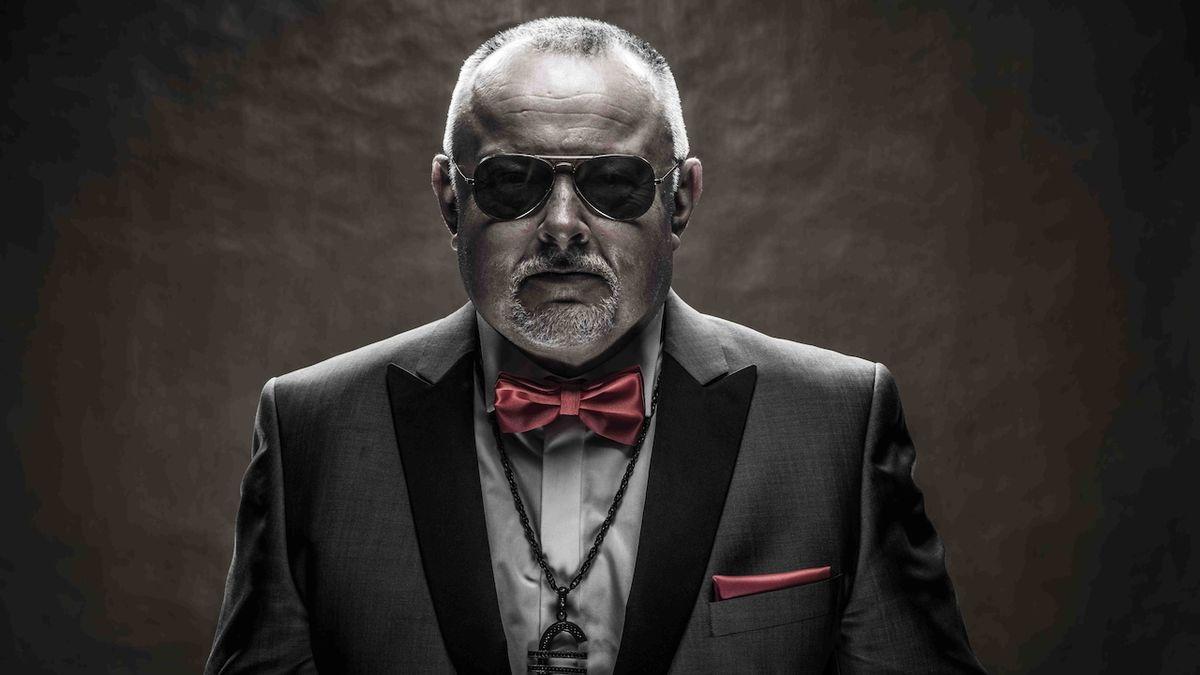 Doctor P. P. vyráží na své první česko-slovenské turné s kapelou Smola a Hrušky