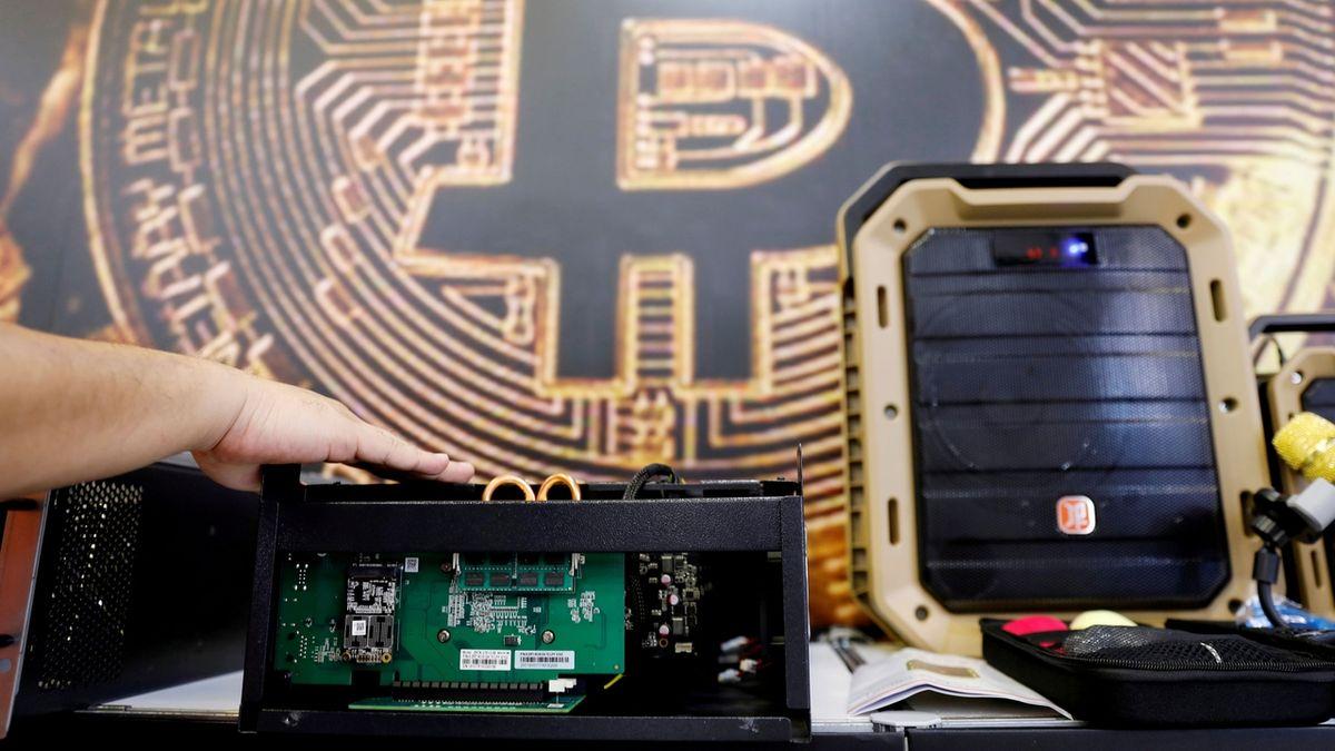 Čína je velmoc v těžbě bitcoinů. Ohrožuje to ale splnění klimatických cílů