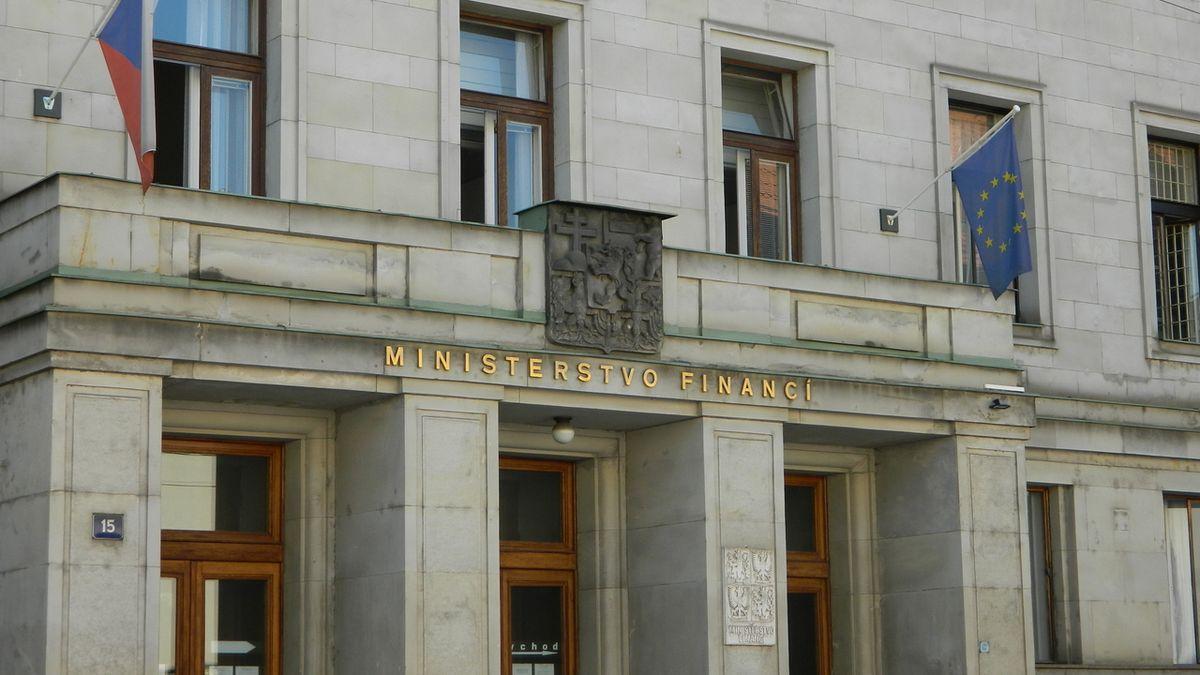 Zadlužení Česka hrozivě roste