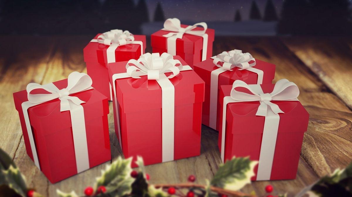 Průzkum: Každý čtvrtý Čech kupuje vánoční dárky už od září