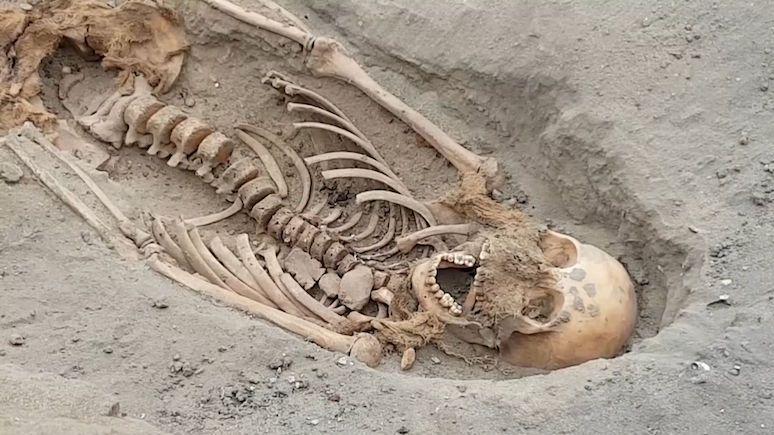 V Peru objevili největší dětské rituální pohřebiště světa
