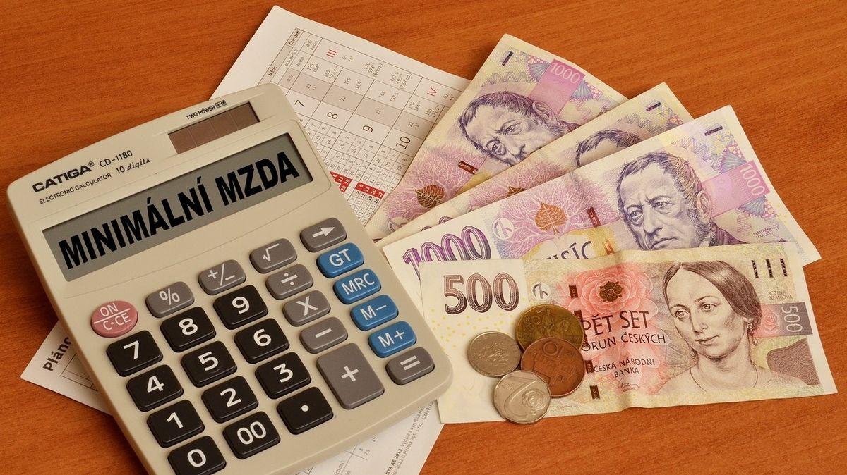 Studie: Zvyšování minimální mzdy v Česku nedopadlo na zaměstnanost