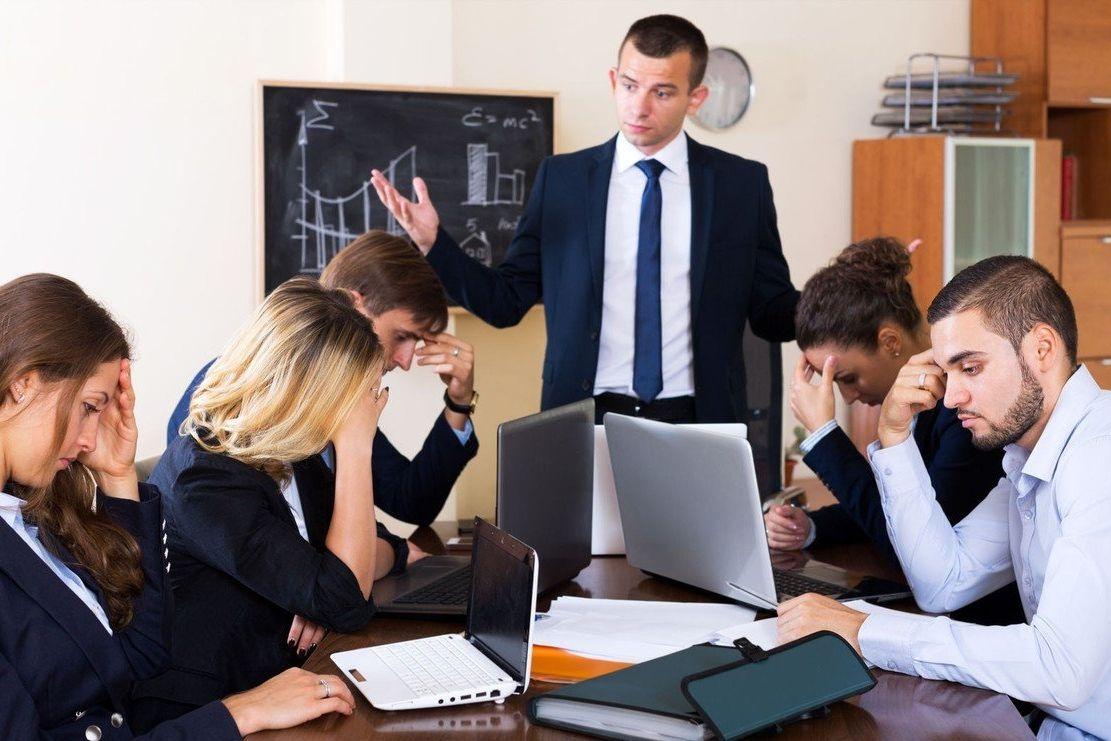 Absolventi mohou mít potíže s aplikováním nabyté teorie v praxi.
