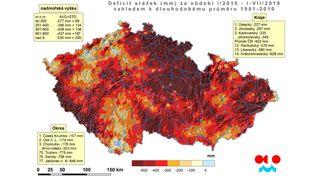 Sucho v půdě se zmenšilo, v krajině přesto chybí hektolitry vody