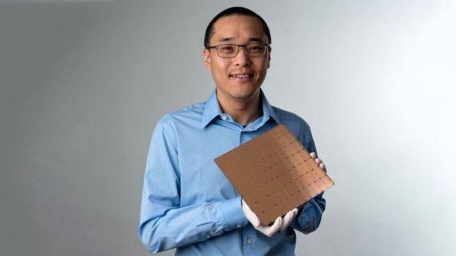 Startup vyvinul největší počítačový čip na světě. Poslouží umělé inteligenci