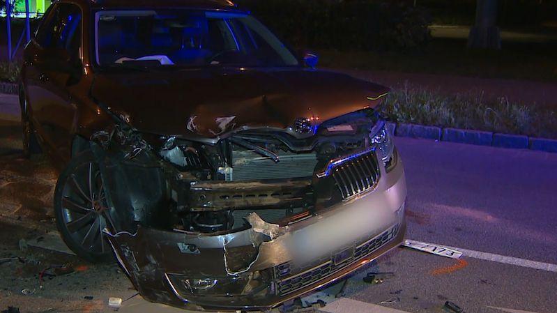 Opilý řidič naboural několik aut. Pak vulgárně nadával a nabízel strážnici vibrátor