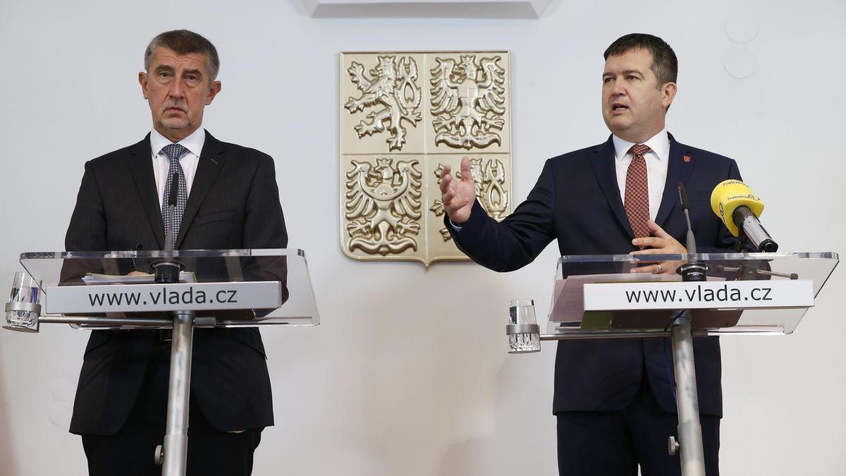 Platy ve veřejné sféře vzrostou všem o 1500 korun, dohodla se koalice