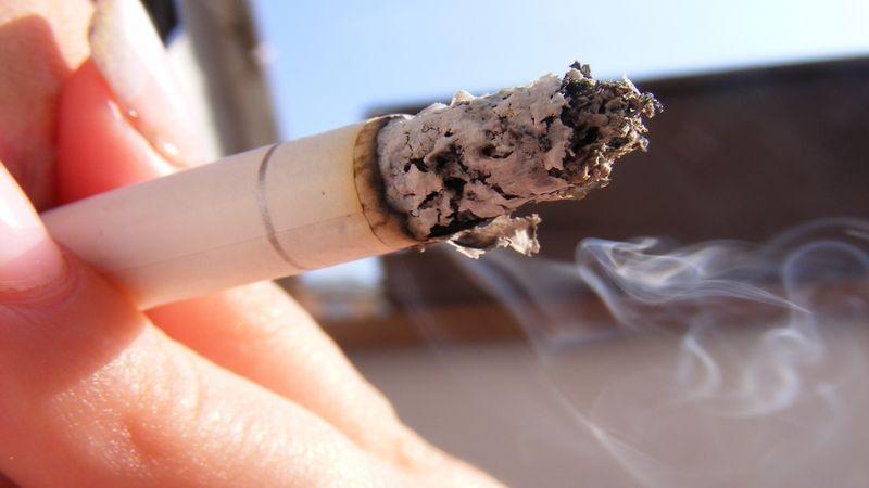 Stát otestuje silné kuřáky kvůli rakovině plic