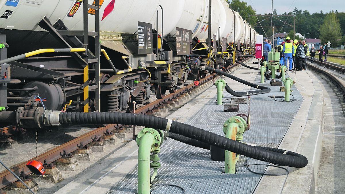 Jednatel Viktoriagruppe zpochybnil, že v německém skladu chyběla česká nafta