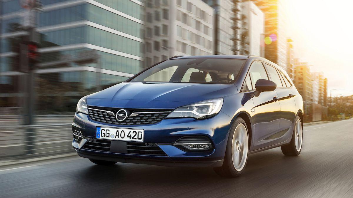 Příští Opel Astra bude kombík i plug-in hybrid, odhalil šéf značky