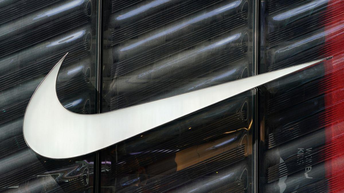 Nike zvýšil zisk na 32 miliard, tržby ale nesplnily očekávání