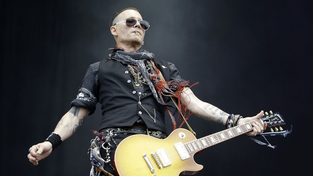 Johnny Depp je prý lepší s kytarou než na plátně