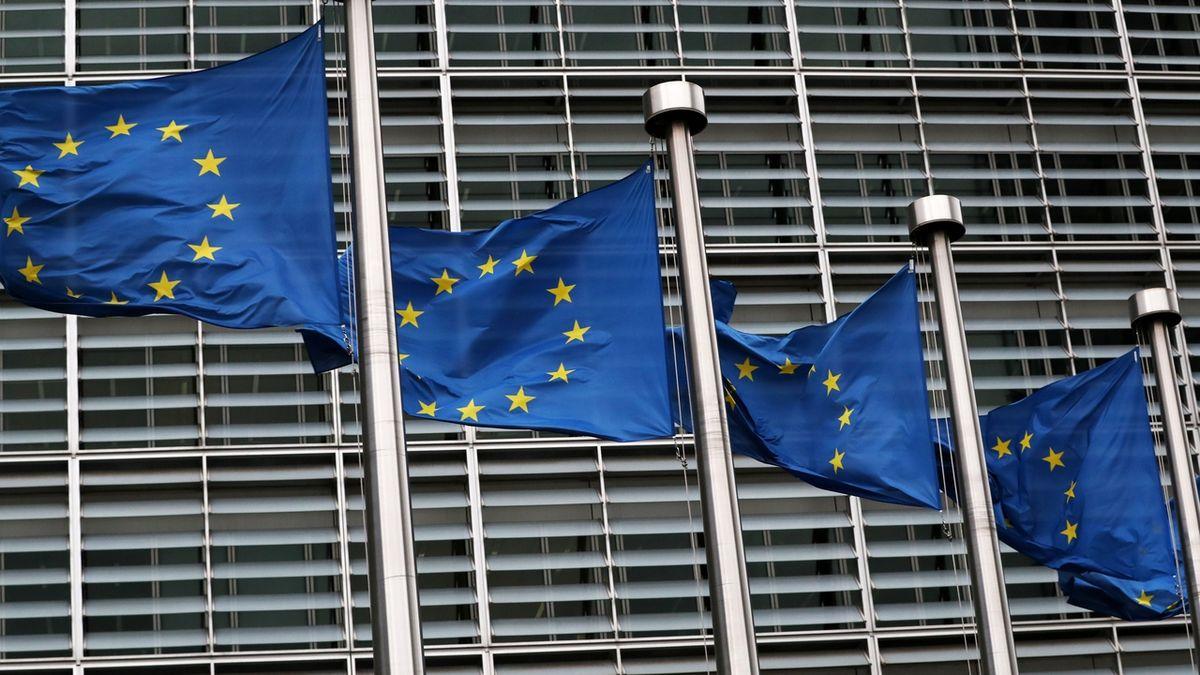 Brusel vyšetřuje, zda Česko nepřihrálo dotace pro malé podniky velkým hráčům. Má jít i o Agrofert