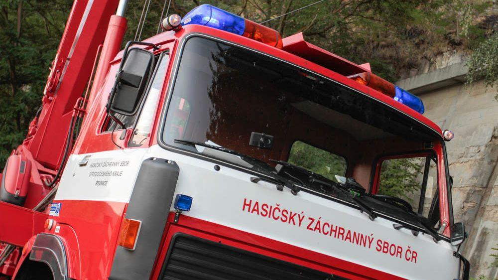 Při požáru u Jilemnice zemřel člověk, v Havlíčkově Brodě se nadýchali čtyři lidé kouře