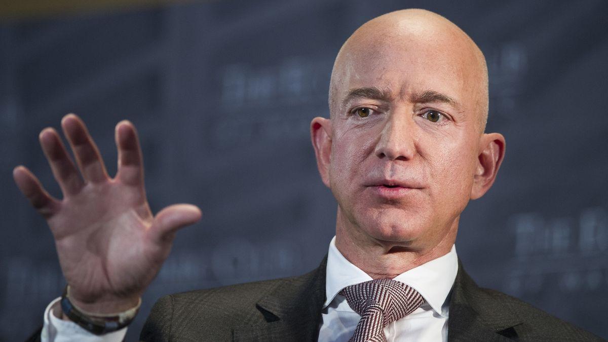 Jeff Bezos už nebude šéfem Amazonu. Končí po 27 letech