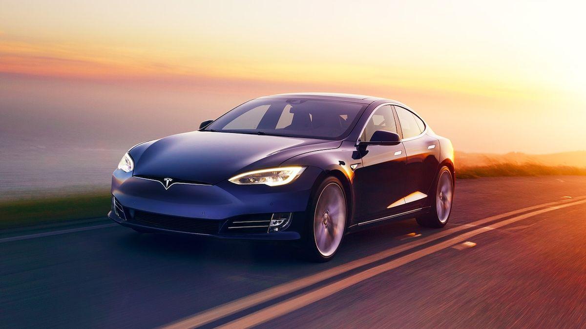 Tesla otevřela první českou prodejnu a odhalila ceny