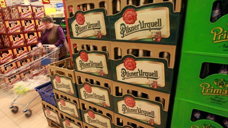 Plzeňský Prazdroj zdraží plechovkové a lahvové pivo