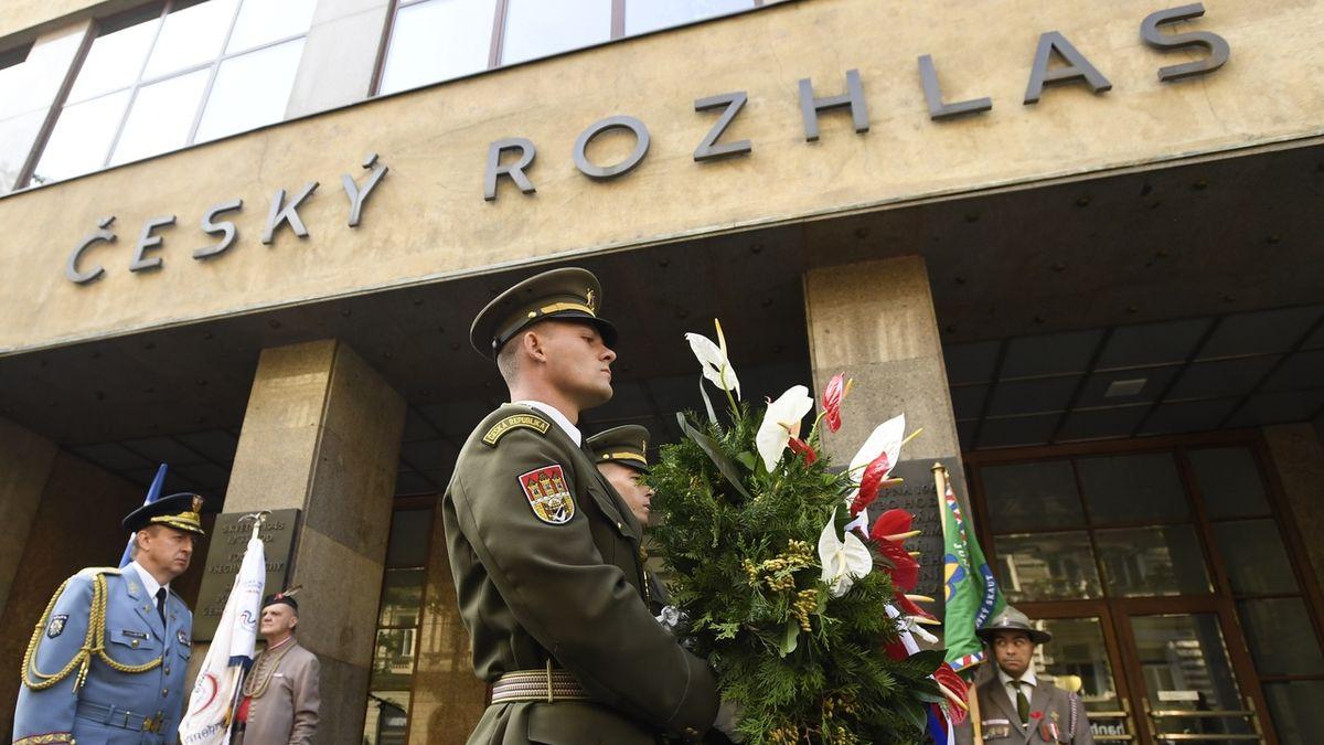 U Českého rozhlasu si politici i pamětníci připomněli události srpna 1968