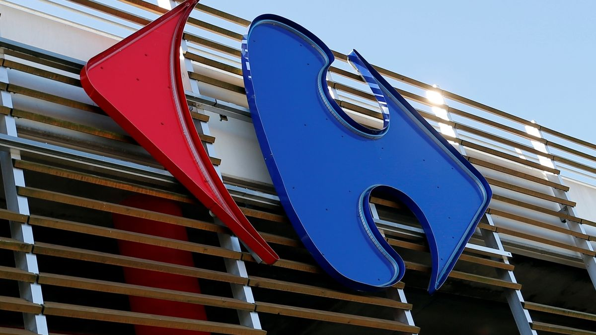 Logo Carrefour ve Francii